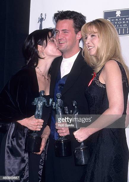Actress Courteney Cox actor Matthew Perry and actress Lisa Kudrow attend the Second Annual Screen Actors Guild Awards on February 24 1996 at the...