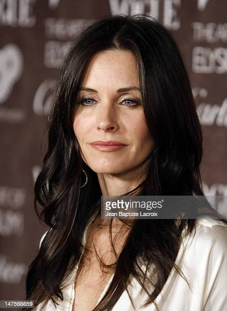 Actress Courteney Cox Arquette arrives at the Art of Elysium 2nd Annual Heaven Gala held at Vibiana on January 10, 2009 in Los Angeles, California.