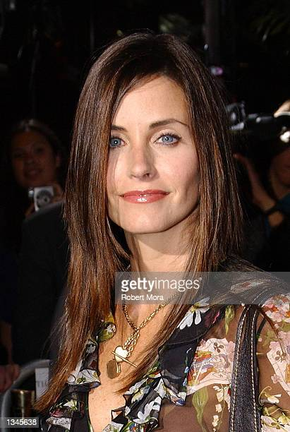 "Actress Courteney Cox Arquette attends the premiere of ""Serving Sara"" at the Samuel Goldwyn Theater on August 20, 2002 in Beverly Hills, California...."