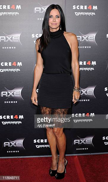Actress Courteney Cox arrives at the Los Angeles Premiere Scream 4 at Grauman's Chinese Theatre on April 11 2011 in Hollywood California