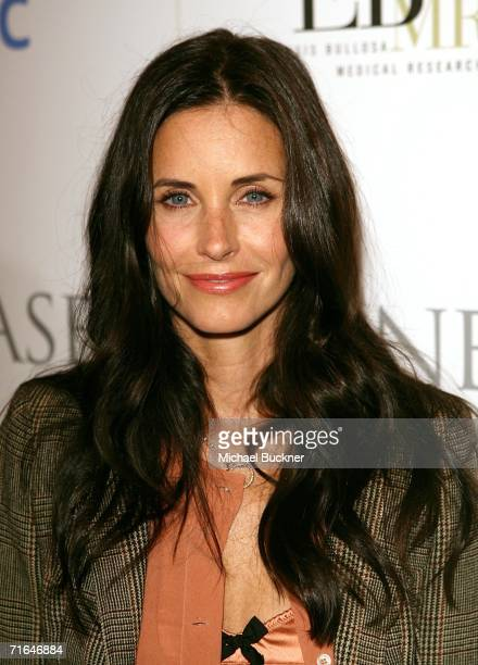 Actress Courteney Cox arrives at the 'Night at the Comedy Store' benefit for the EB Medical Research Foundation at the Comedy Store on August 14 2006...