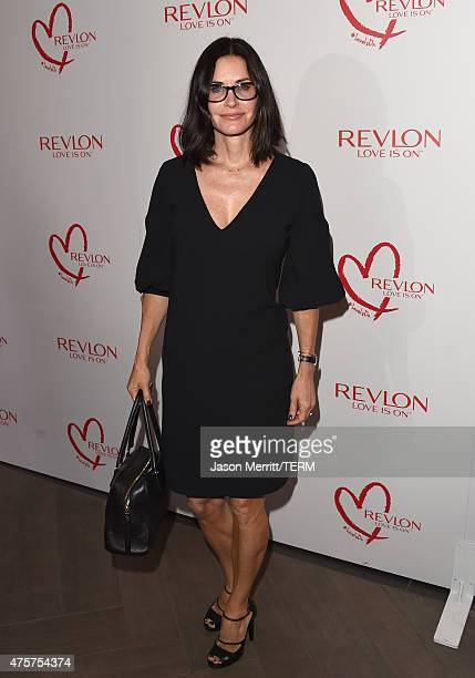 Actress Courteney Cox attends the Halle Berry lunch celebration for Women Cancer Research at Four Seasons Hotel Los Angeles at Beverly Hills on June...