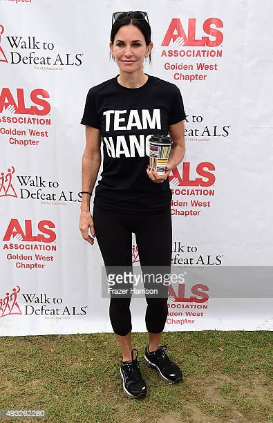 Actress Courteney Cox attends the Nanci Ryder's Team Nanci At The 13th Annual LA County Walk To Defeat ALS at Exposition Park on October 18 2015 in...