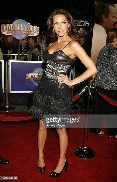 Actress Cyia Batten arrives at the Premiere of Universal Pictures 'Charlie Wilson's War' at CityWalk Cinemas on December 9 2007 in Universal City...