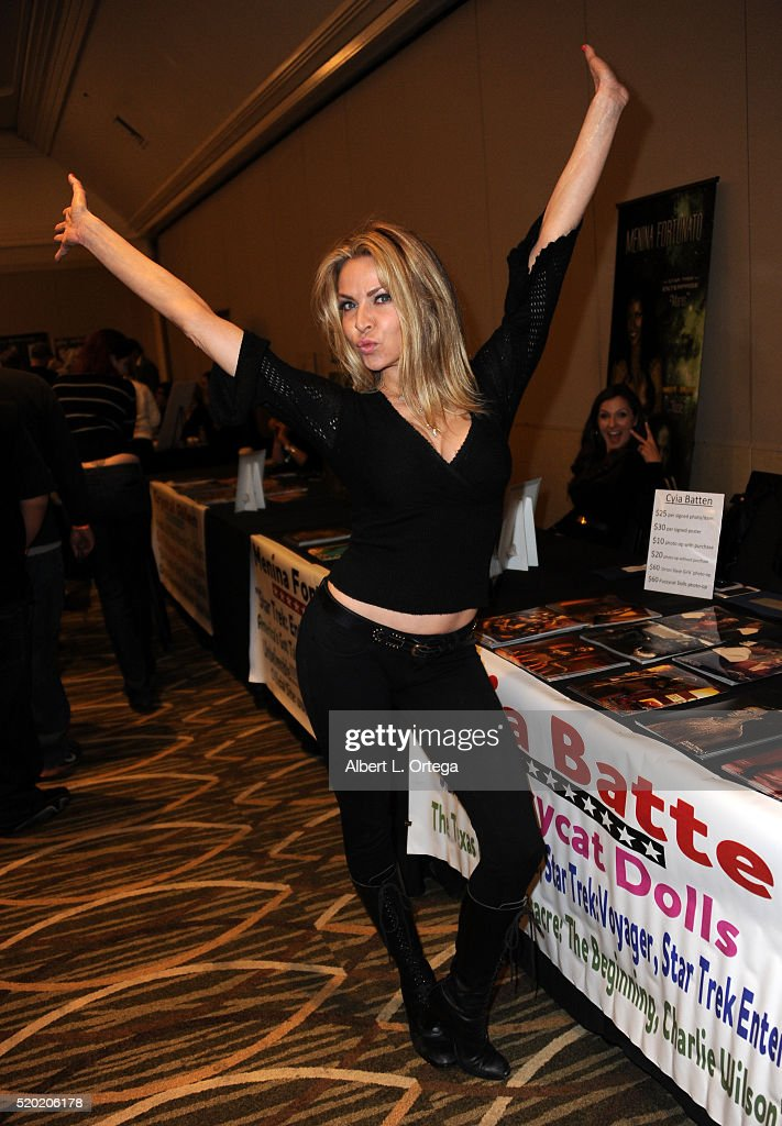 Actress Cyia Batten at the The Hollywood Show held at Westin LAX Hotel on April 9, 2016 in Los Angeles, California.