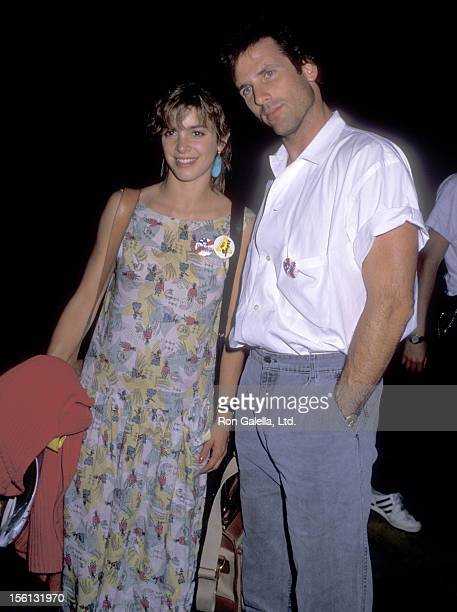 Actress Cynthia Gibb and actor Hart Bochner on October 10 1988 leave the Holiday Inn in Los Angeles California