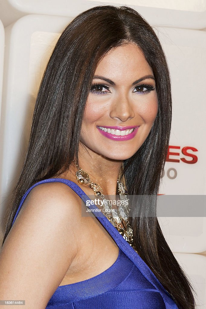Actress Cynthia Olavarria attends Deportes Telemundo's celebration of their hit show 'Titulares Y Mas' at Ebanos Crossing on October 7, 2013 in Los Angeles, California.