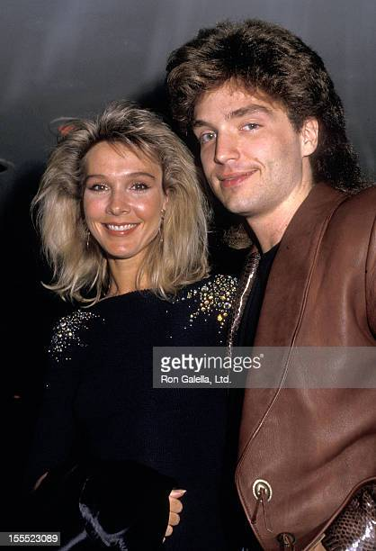 Actress Cynthia Rhodes and musician Richard Marx attend the Dirty Dancing New York City Premiere on August 17, 1987 at the Gemini 1 & 2 in New York...