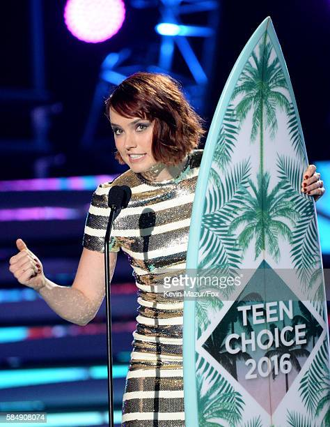 Actress Daisy Ridley accepts the award for Choice Movie Breakout Star onstage during Teen Choice Awards 2016 at The Forum on July 31 2016 in...