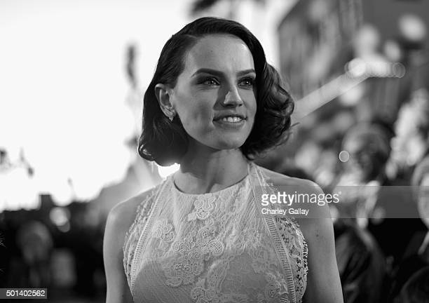 "Actress Daisy Ridley attends the World Premiere of ""Star Wars The Force Awakens"" at the Dolby El Capitan and TCL Theatres on December 14 2015 in..."