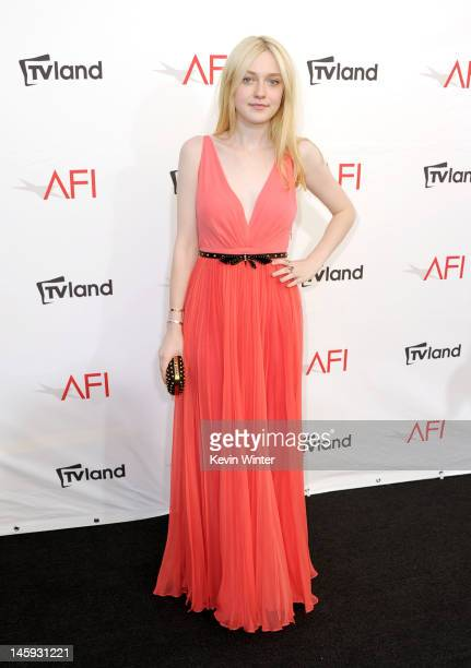 Actress Dakota Fanning arrives at the 40th AFI Life Achievement Award honoring Shirley MacLaine held at Sony Pictures Studios on June 7 2012 in...