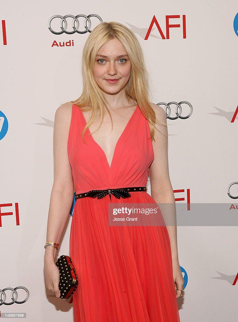 Dakota Fanning arrives at the 40th AFI Life Achievement