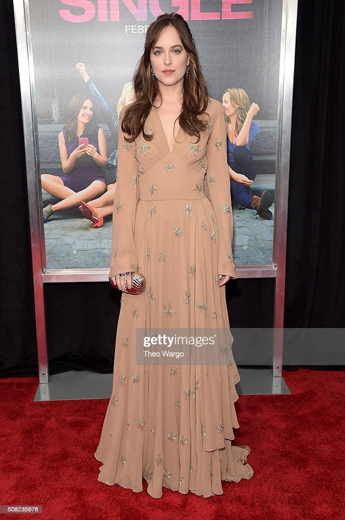 How to be single new york premiere actress dakota johnson attends the new york premiere of how to be single at ccuart Choice Image