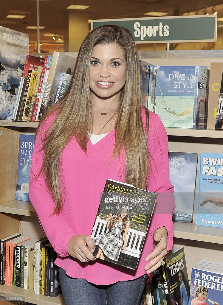 """Danielle Fishel Signs Copies Of Her New Book """"Normally, This Would Be Cause for Concern"""" : News Photo"""