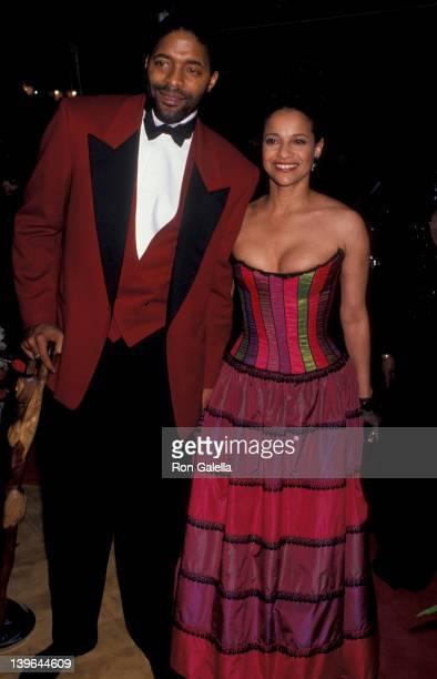 Actress Debbie Allen and husband Norman Nixon attending 64th Annual Academy Awards on March 30 1992 at the Dorothy Chandler Pavilion in Los Angeles...