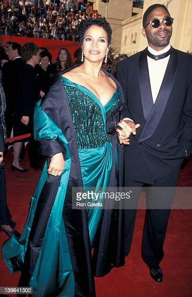 Actress Debbie Allen and husband Norman Nixon attending 67th Annual Academy Awards on March 27 1995 at the Shrine Auditorium in Los Angeles California