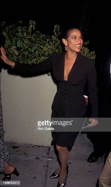Actress Debbie Allen attending Defense Victory Party for OJ Simpson on October 3 1995 at Georgia Restaurant in Los Angeles California