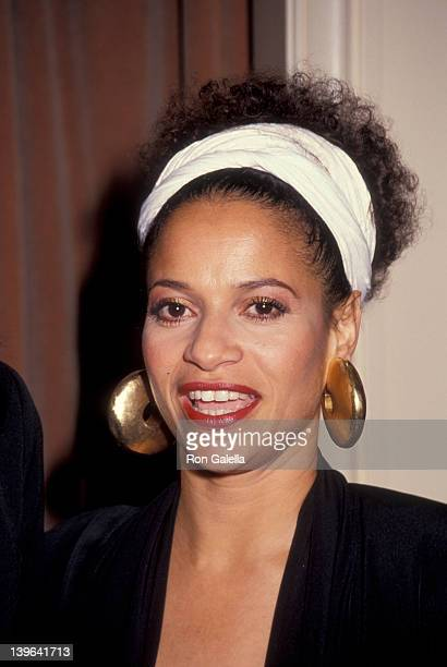 Actress Debbie Allen attending Nancy Reynolds Awards on November 13 1991 at the Beverly Wilshire Hotel in Beverly Hills California