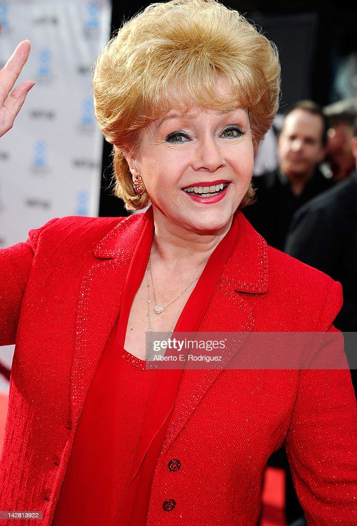 """2012 TCM Classic Film Festival Opening Night Premiere Of The 40th Anniversary Restoration Of """"Cabaret"""" - Red Carpet : News Photo"""