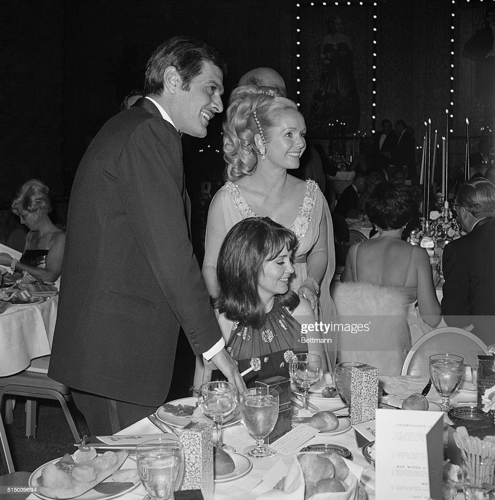 Portrait of Debbie Reynolds, Omar Sharif and Anjanette Comer : News Photo