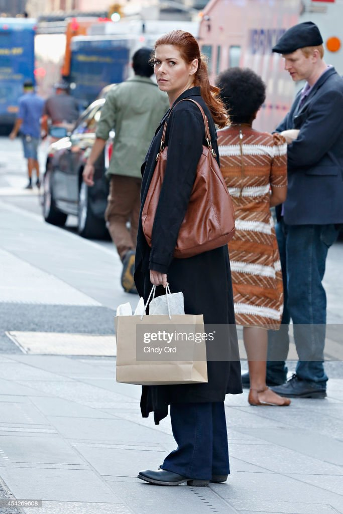 Actress Debra Messing films 'The Mysteries of Laura' on August 27, 2014 in New York City.