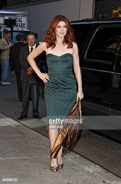 Actress Debra Messing visits the 'Late Show with David Letterman' at the Ed Sullivan Theatre on October 7 2008 in New York City
