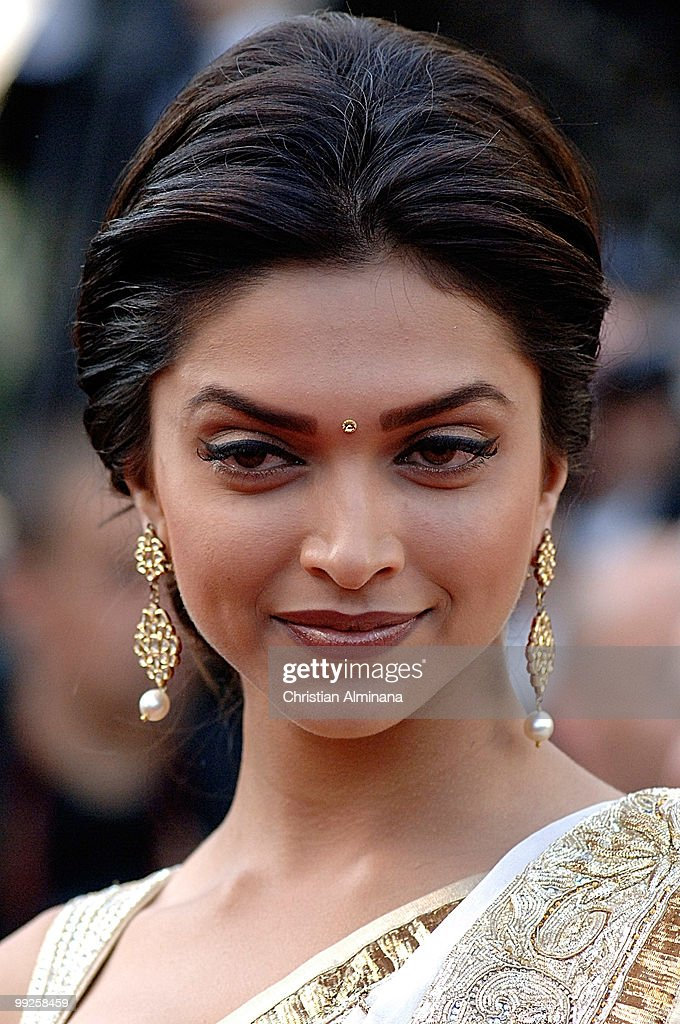 Actress Deepika Padukone attends the 'On Tour' Premiere at ...