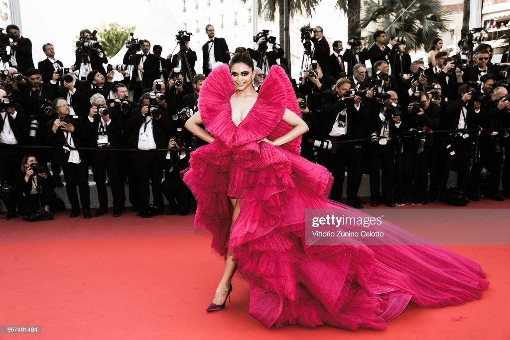 Alternative View In Colour - The 71st Annual Cannes Film Festival : Foto jornalística