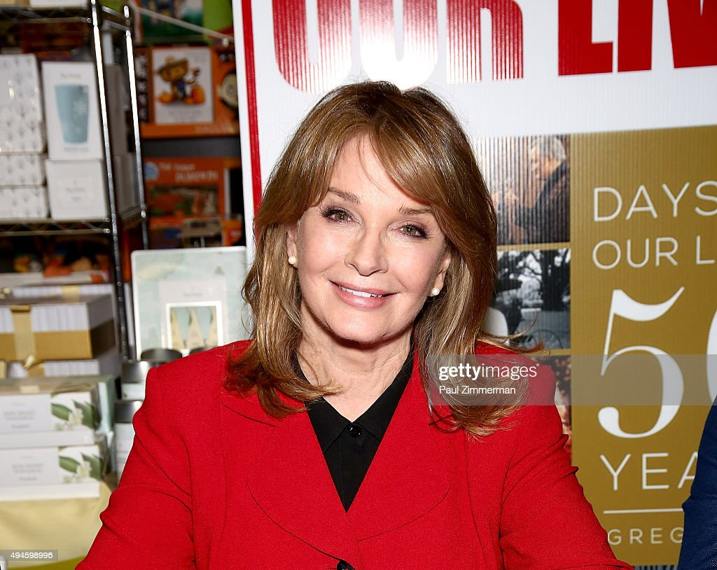 Days of our lives book signing books and greetings in nort10 actress deidre hall attends days of our lives book signing books and greetings m4hsunfo