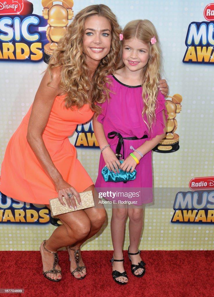 2013 Radio Disney Music Awards - Arrivals
