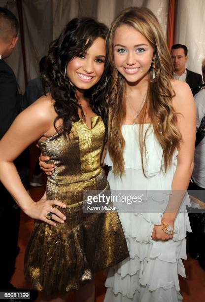 Actress Demi Lovato and singer/actress Miley Cyrus arrive at Nickelodeon's 2009 Kids' Choice Awards at UCLA's Pauley Pavilion on March 28 2009 in...
