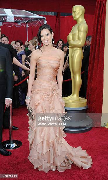 Actress Demi Moorearrives at the 82nd Annual Academy Awards held at Kodak Theatre on March 7 2010 in Hollywood C alifornia