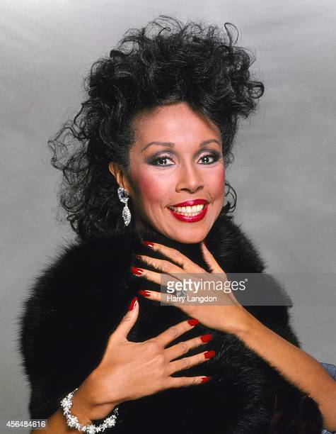 Actress Diahann Carrol poses for a portrait in 1990 in Los Angeles California