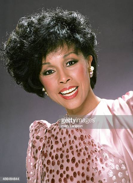 Actress Diahann Carroll poses for a portrait in 1987 in Los Angeles California