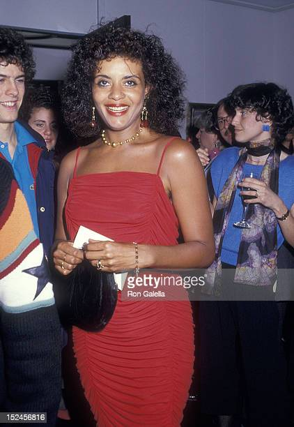 Actress Diahnne Abbott attends Ethel Scull's Opening Night Exhibition on May 5 1987 at the Philippe Daverio Gallery in New York City