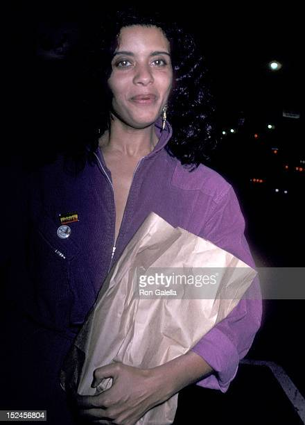 Actress Diahnne Abbott was spotted shopping on February 4 1981 at a market on Sunset Boulevard in West Hollywood California