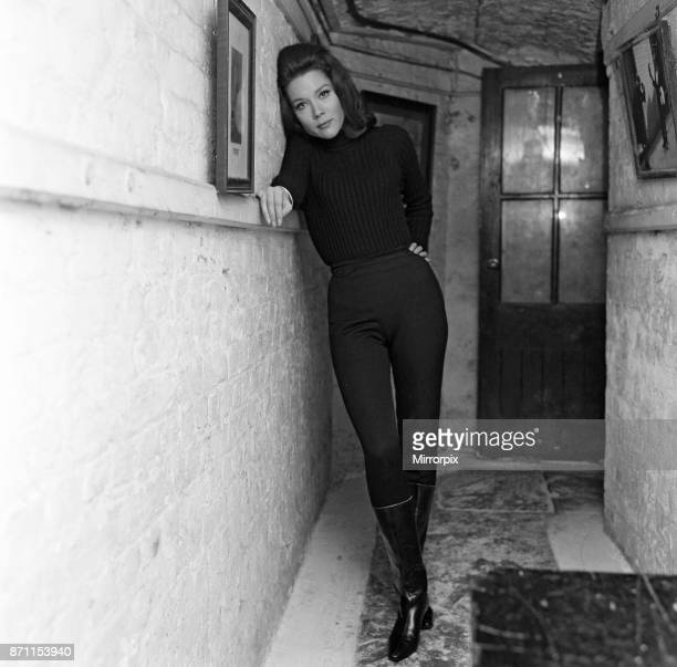 Actress Diana Rigg the new heroine of the television series 'The Avengers' today met her leading man at the Cheshire Cheese in Fleet Street, 14th...