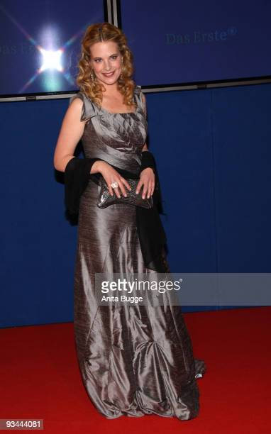 Actress Diane Amft arrives to the Bambi Awards 2009 at the Metropolis Hall at the Filmpark Babelsberg on November 26 2009 in Potsdam Germany