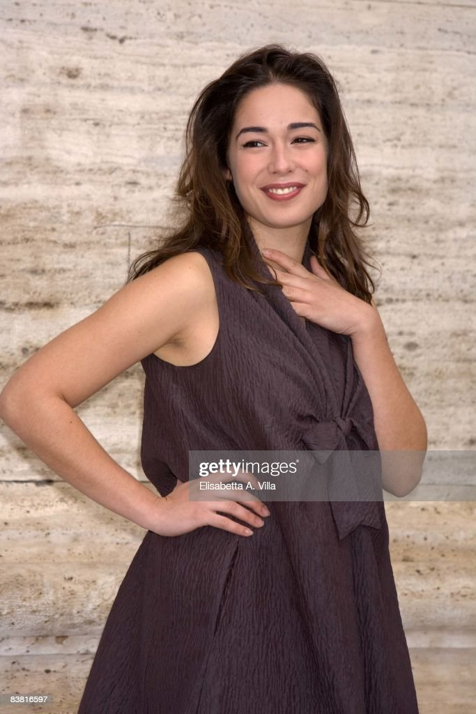 Actress Diane Fleri attends 'Solo Un Padre' photocall at Warner Moderno Cinema on November 25, 2008 in Rome, Italy.