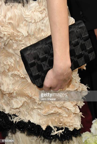 Actress Diane Kruger arrives at the 82nd Annual Academy Awards held at Kodak Theatre on March 7, 2010 in Hollywood, California.