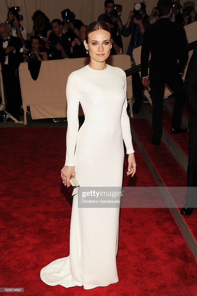 """""""American Woman: Fashioning A National Identity"""" Costume Institute Gala at The Metropolitan Museum of Art - Arrivals : News Photo"""
