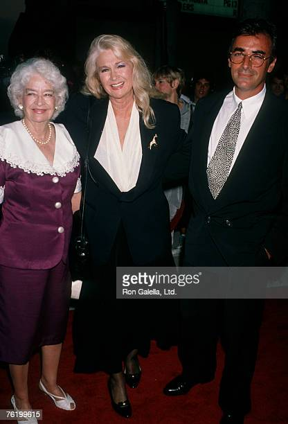 Actress Diane Ladd mother Mary Lanier and Thao Penghlis attending the premiere of Wild At Heart on August 13 1990 at the Cinerama Dome Theater in...
