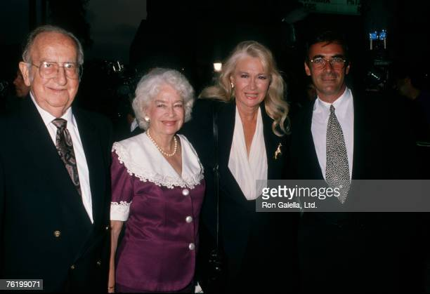 Actress Diane Ladd parents Preston Lanier and Mary Lanier and date Thao Penghlis attending the premiere of Wild At Heart on August 13 1990 at the...