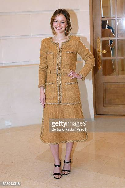 Actress Diane Rouxel attends the 'Chanel Collection des Metiers d'Art 2016/17 Paris Cosmopolite' Photocall at Hotel Ritz on December 6 2016 in Paris...