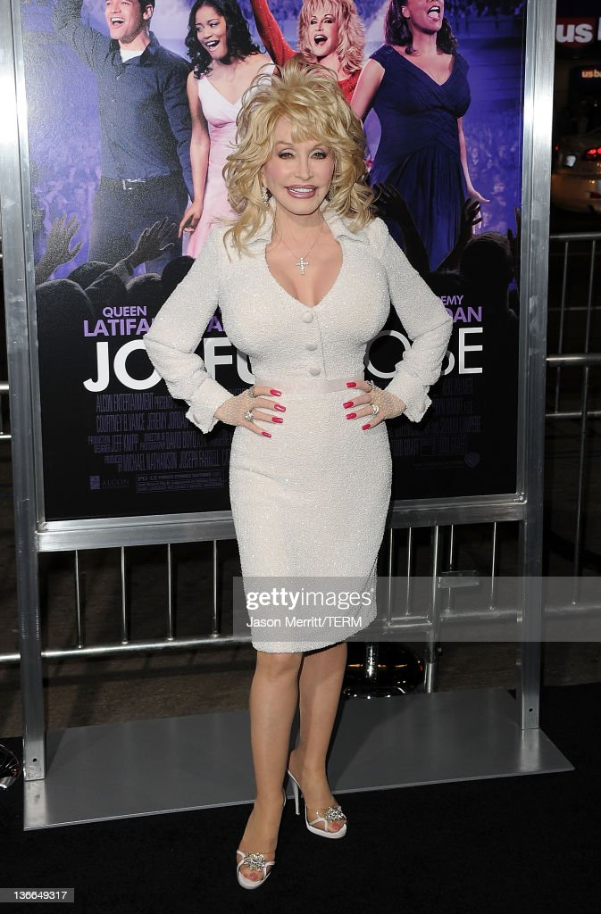 "Premiere Of Warner Bros. Pictures' ""Joyful Noise"" - Arrivals"