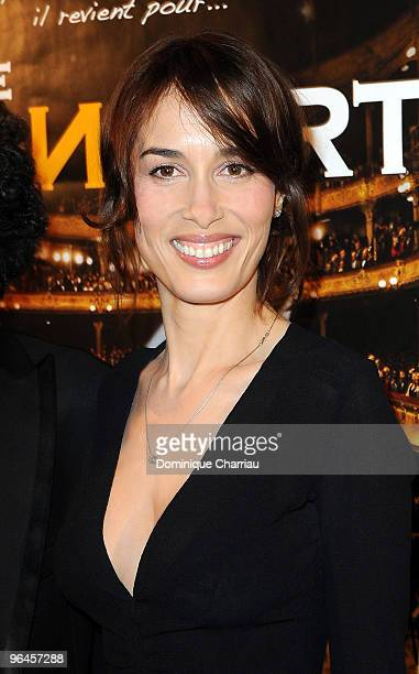 US Actress Dolores Chaplin poses as she attends 'Le Concert' 2 Millions Viewers Celebration Party at Ritz Club on February 5 2010 in Paris France