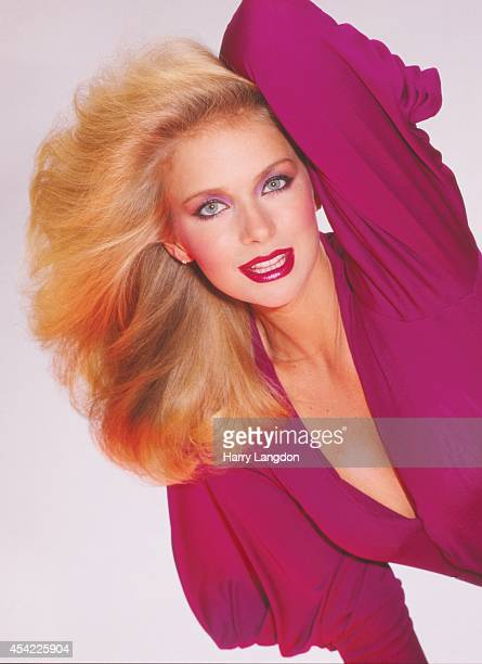 Actress Donna Dixonposes for a portrait in 1987 in Los Angeles, California.