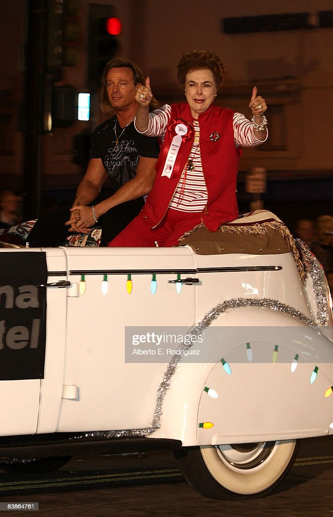 76th Annual Hollywood Santa Parade : News Photo