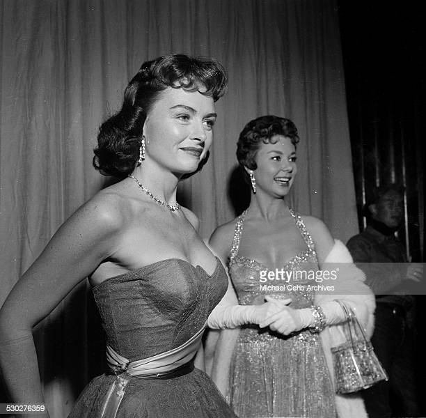 Actress Donna Reed poses with actress Mitzi Gaynor during the Academy Awards in Los AngelesCA