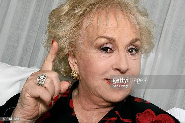 Actress Doris Roberts is photographed for Los Angeles Times on July 17 2009 in Los Angeles California PUBLISHED IMAGE CREDIT MUST READ Ken Hively/Los...